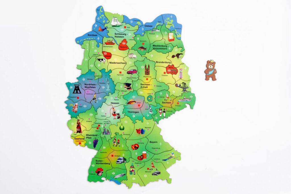 Deutschlandkarte Puzzle und Würfelspiel für Kinder ab 10 Jahren