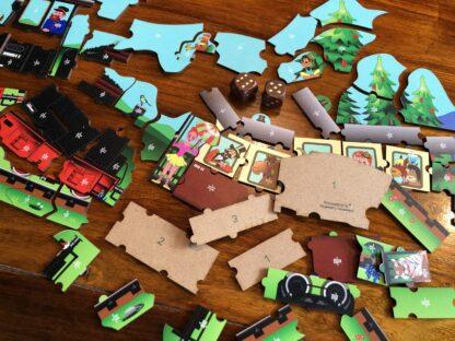 Dampflokomotive Puzzle und Würfelspiel für Kinder
