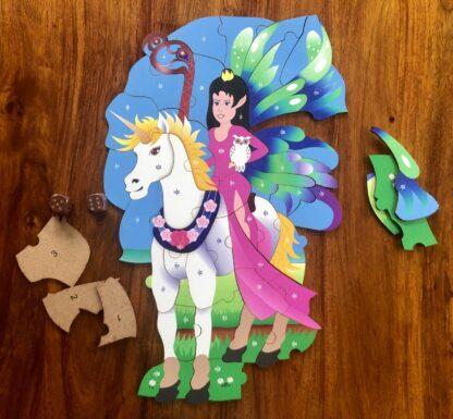 Elfe auf Einhorn Puzzle und Würfelspiel für Kinder
