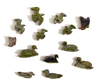 Black Beauties Holzpuzzle für Erwachsene von Fragmentis Whimsy-Teile in Form von Vögeln
