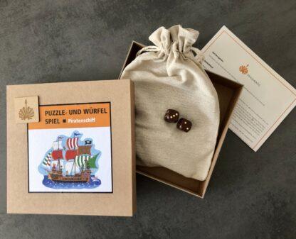 Puzzle- und Würfelspiel aus Holz für Kinder von Fragmentis Piratenschiff Karton